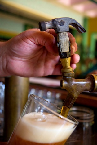 Hammerhead pour - Oregon craft beer industry celebrates in July