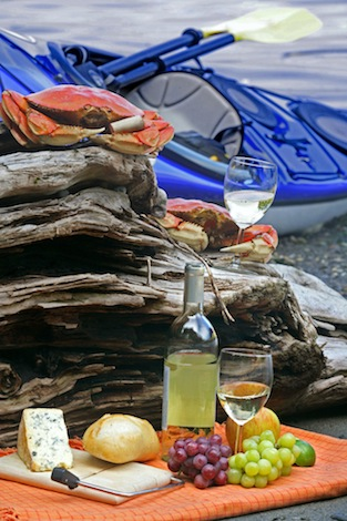 Olympic Peninsula wineries picnic with Dungeness crab