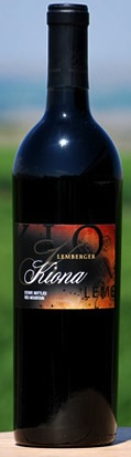 kiona-lemberger-2010-bottle
