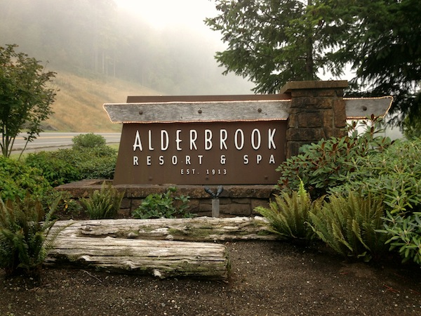 Northwest wines find home at alderbrook resort for Alderbrook homes