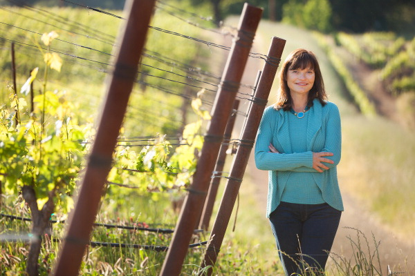 Barbara Banke, chair of Jackson Family Wines, announced that Oregon winemaker Tony Rynders will be consulting on the California-based company's new Willamette Valley project.