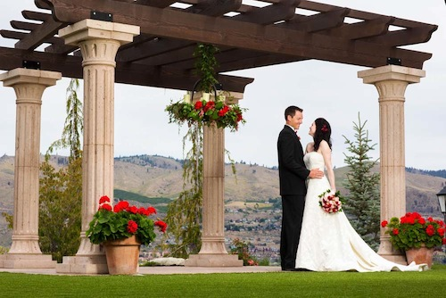 Tsillan Cellars provides a beautiful venue for weddings in Washington state wine country.