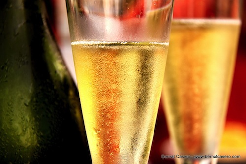 Sparkling wine is a great way to enjoy Thanksgiving dinner.