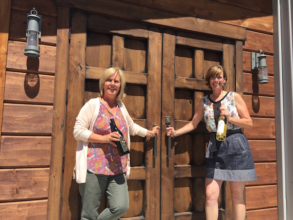 General manager Kim Gravenslund and Anelare managing partner Kahryn Alexander have opened the doors on their Yakima Valley tasting room since June 2014.