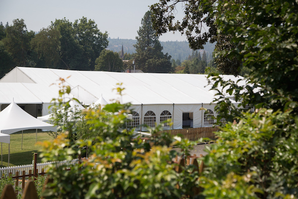 The Oregon Wine Experience will stage its 2015 public wine tasting Sunday, Aug. 23 in Jacksonville on Bigham Knoll Campus.
