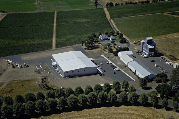 Stoller Family Estate moves into its new 32,000-square-foot winemaking facility in time to crush the 2015 vintage. Head winemaker Melissa Burr will continue to make the reserve and Legacy wines at the nearby LEED Gold-certified facility, a stone's throw from the tasting room in Dayton, Ore.