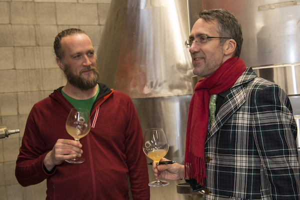 chris williams stuart pigott - Support for Oregon Pinot Noir shows as IPNC nears another sellout