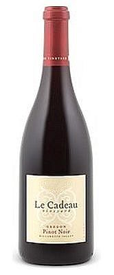 le-cadeau-vineyard-pinot-noir-2013-bottle