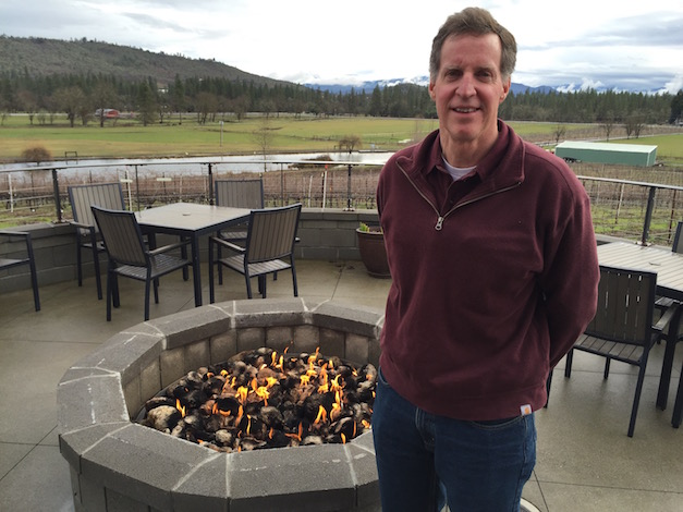 Scott Steingraber established a 25-acre vineyard between Table Rock Plateau and the Rogue Valley with Cabernet Sauvignon, Cabernet Franc, Tempranillo, Malbec, Sangiovese, Viognier, and Sauvignon Blanc.