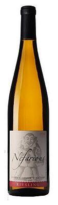 nefarious-cellars-stones-throw-vineyard-riesling-2013-bottle