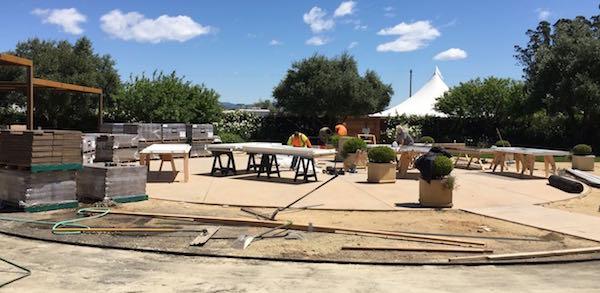 Sunset magazine's outdoor kitchen construction.