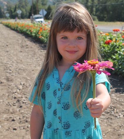 del-rio-vineyards-flower-girl-crop-feature