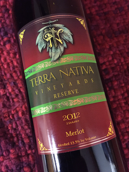 terra-nativa-vineyards-reserve-merlot-2012-bottle