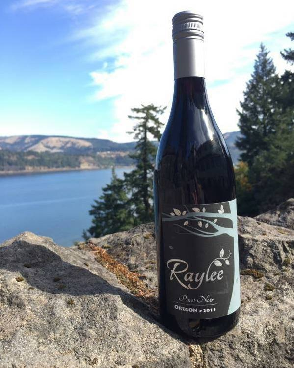 raylee pinot noir 2015 bottle - Raylee Wines 2015 Pinot Noir, Willamette Valley $15