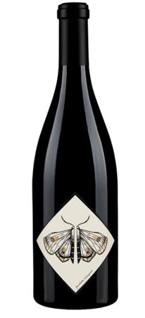 Yamhela-Vineyards-yamhela-vineyard-Pinot-Noir-nv-bottle