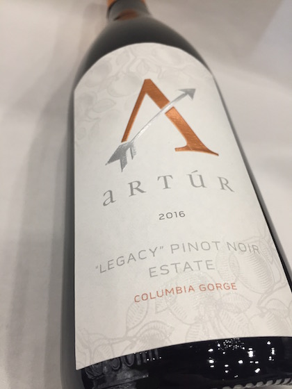 Stave and Stone artur Pinot