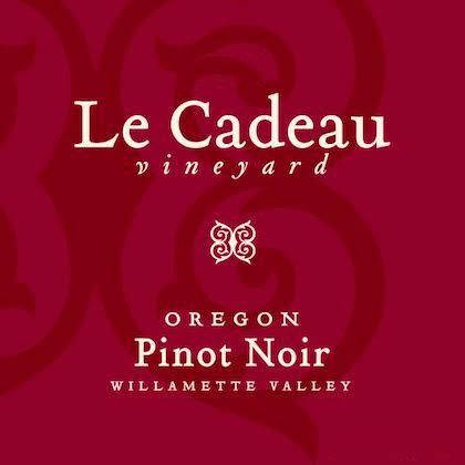 le-cadeau-vineyard-pinot-noir-nv-label