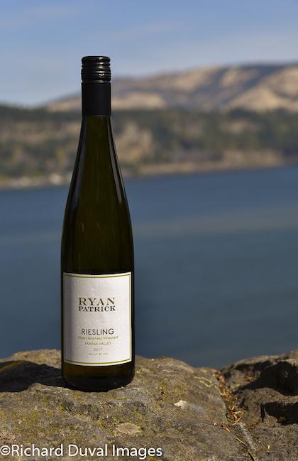 ryan-patrick-wines-olsen-brothers-vineyard-riesling-2017-bottle-gni-10-04-18-3584
