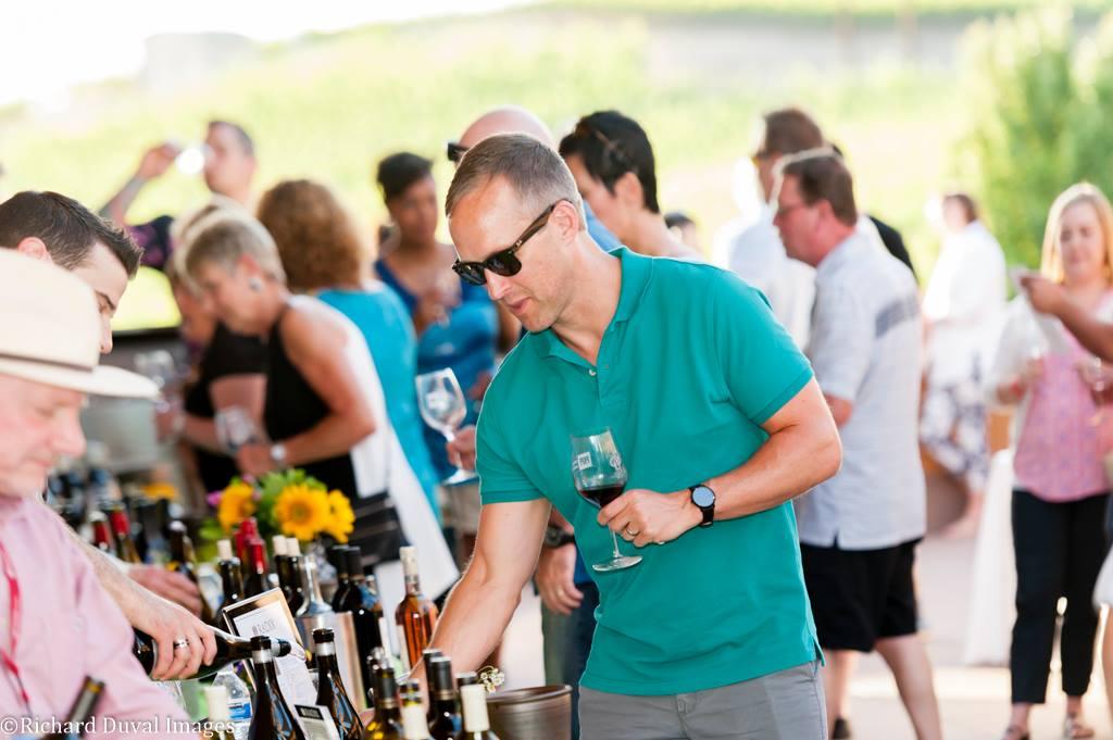56459562 10158387016059408 1249506557360603136 o - Auction of Washington Wines: Wine and Music Festival