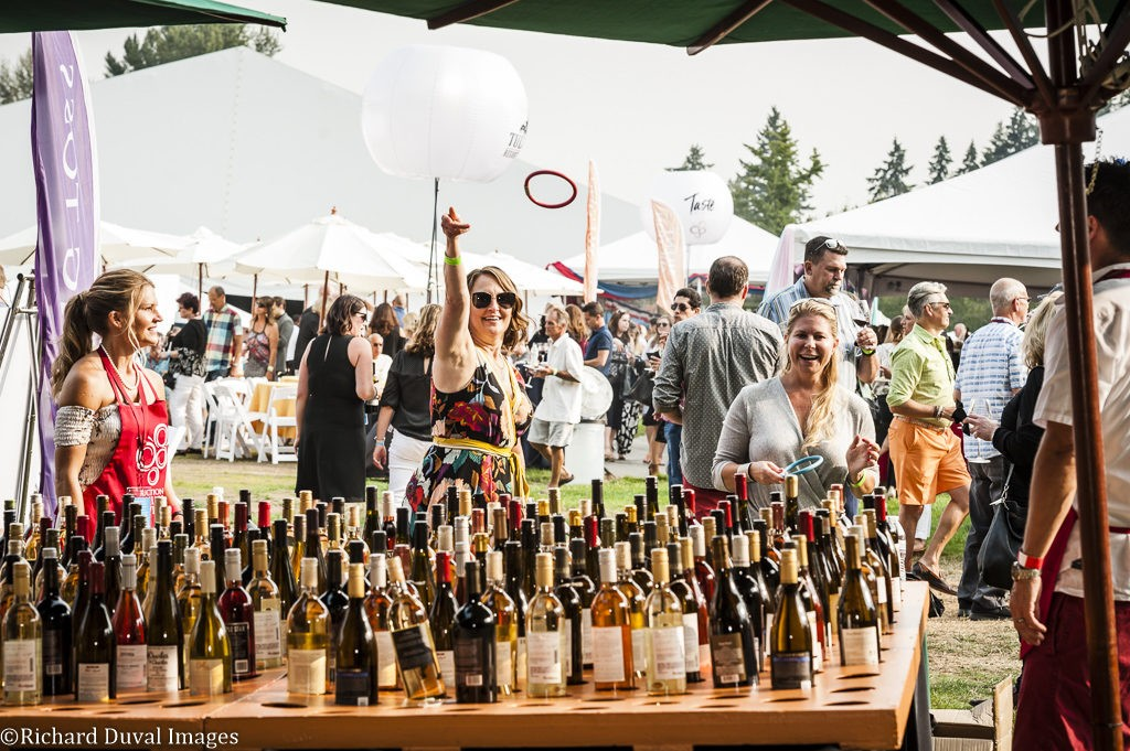 winemakers picnic barrel auction ring toss 2018 richard duval images 1024x681 - VineLines Dispatch: Growing support for WSU wine research