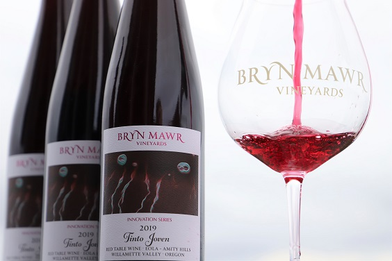 Pouring 1 - 2019 Tinto Joven Wine Soirée at Bryn Mawr Vineyards